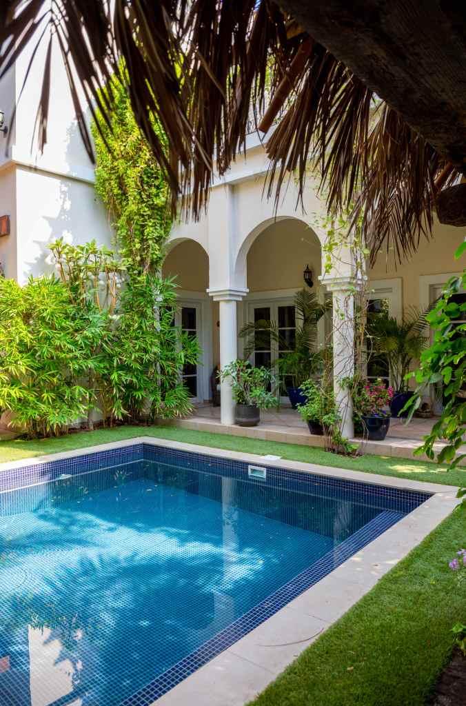 Swimming pool in The Villa Dubai