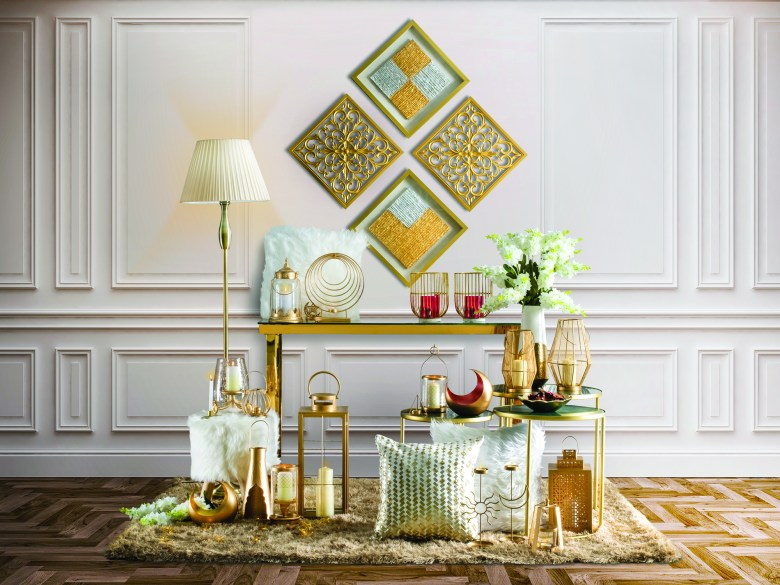 Homebox Ramadan 2021 collection console table