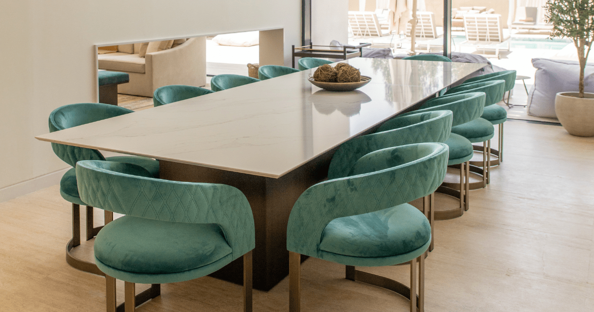 Dining table in Jumeirah Golf Estates