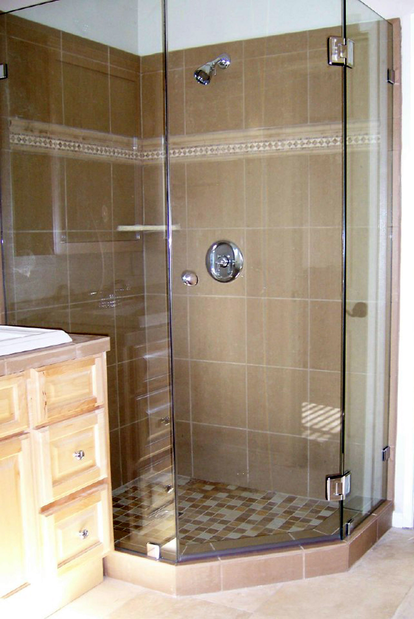 Custom Shower Door Gallery – Blizzard Frameless