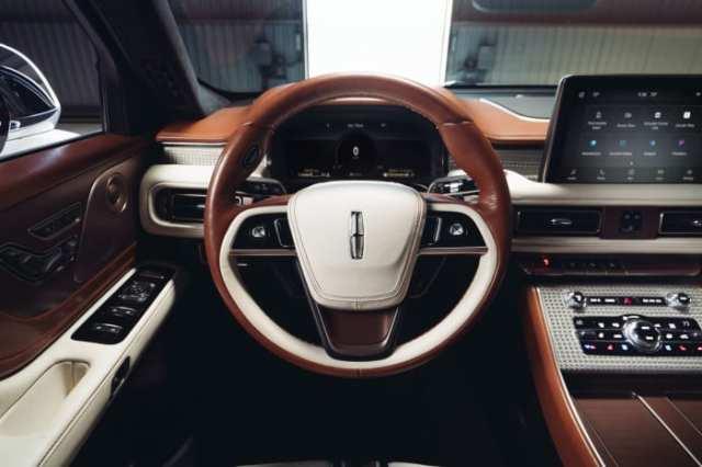 Lincoln x Shinola Aviator (4)