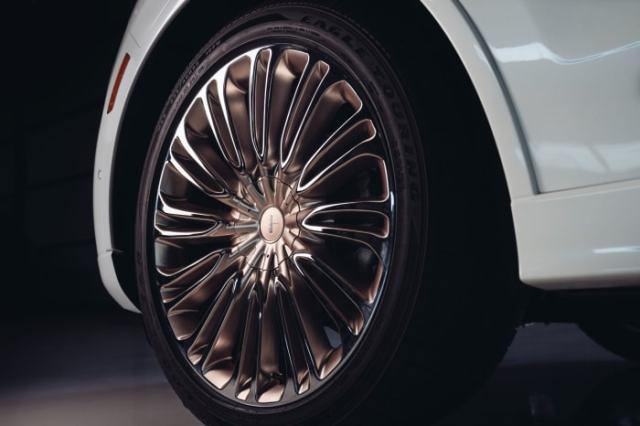 Lincoln x Shinola Aviator (10)