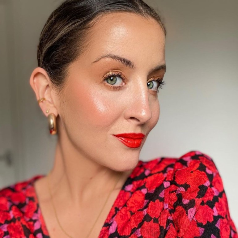 How To Take Your Makeup From Day To Night in 5 Minutes - MUA Hollie Olivia Ellis