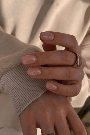 Autumn 2021 Nail Art Trends: Super Glossy Nails by Isabel May
