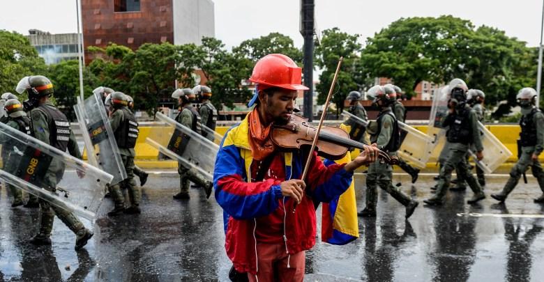 Venezuela's Petro Amidst Crumbling Economic Background