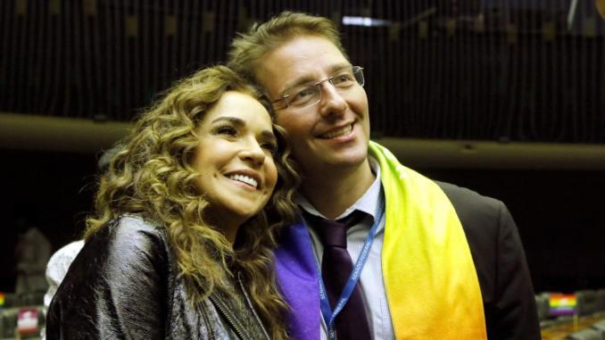 Homenageado em sessão solene da Câmara dos Deputados pela ação contra a homofobia, Eliseu Neto é coordenador do Diversidade 23. Foto: reprodução