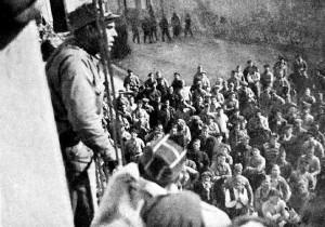 Durruti dirigint-se al poble de Bujaraloz (Saragossa) abans de la retirada de la seua columna.
