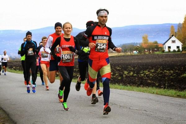 Mann (42) syntes selv han løp ganske fort, men fikk bank av jente (17).  (Foto: Tommy Støa)