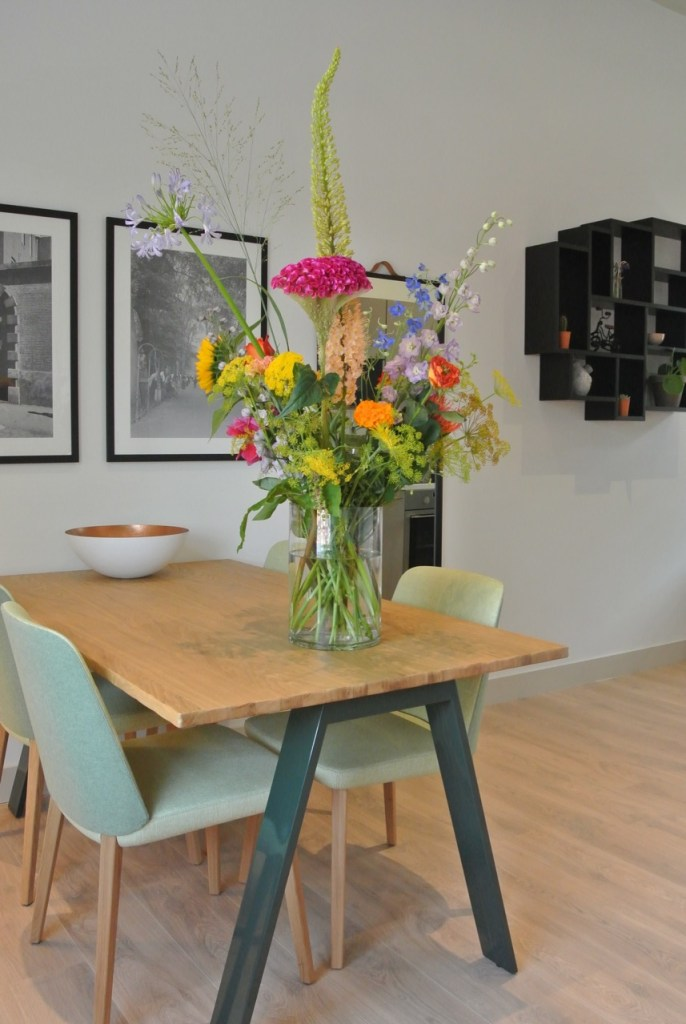 De Hospitality Bloemen en Planten-Service voorziet altijd in verschillende formaten van boeketten. Mini, Small, Medium en Large.