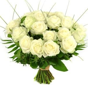 25 Witte rozen bestellen of bezorgen