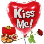Kiss me ballon hartjes chocolade en rode roos bestellen of bezorgen
