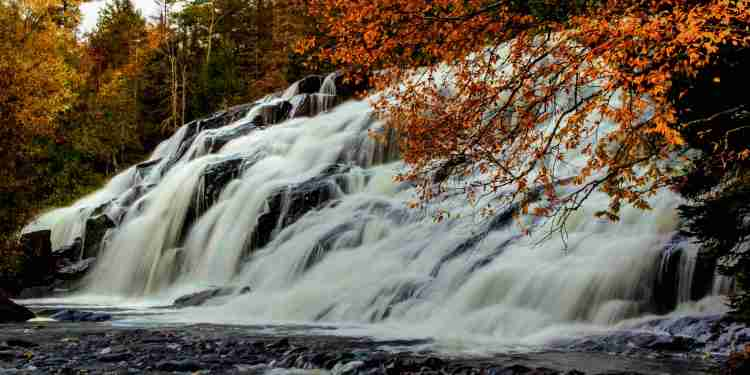 bond falls with a heavy flow in the fall