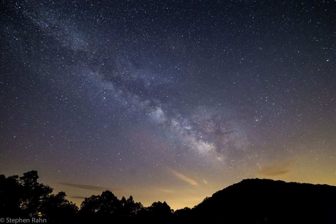 long exposure of the milky way at night over brasstown bald