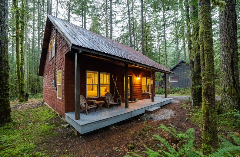 a log cabin on mount baker in Washington state