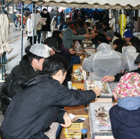 Visitors to the festival enjoy a variety of other seafoods
