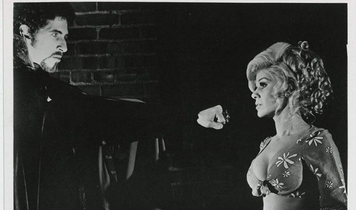 Draculas Bluthochzeit mit Frankenstein (1971) – Filmkritik