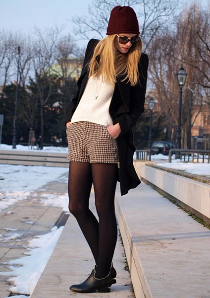 Summer shorts with opaque leggings