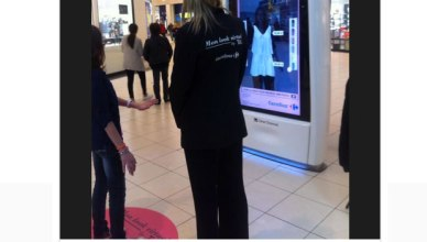 Carrefour lance ses premières cabines dessayage virtuelles avec Clear Channel