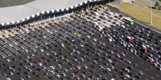 Embouteillage au péage de Saint-Arnoult - Yvelines
