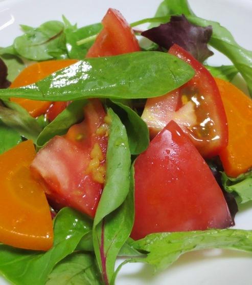 トマトとベビーリーフのサラダ B