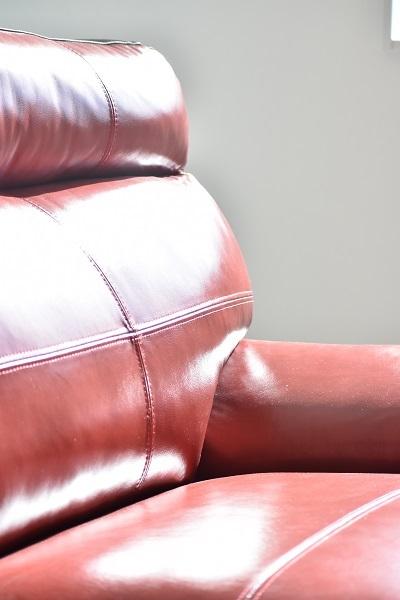 家具はおなじみのKAGOYAさん