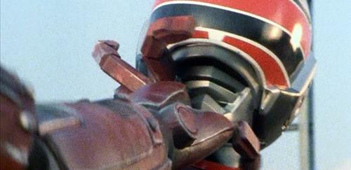 メタルヒーローのスピルバンがエネルギー切れでやられる