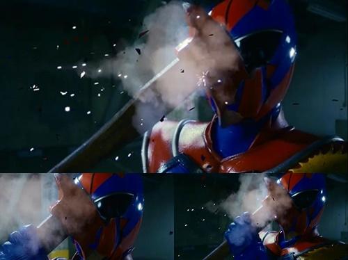 ヒーロー、マックスマンがやられてマスクが破壊される