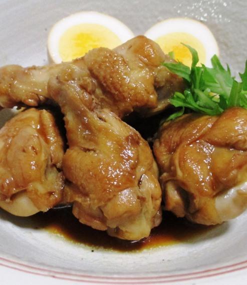 鶏手羽元の甘辛煮 B