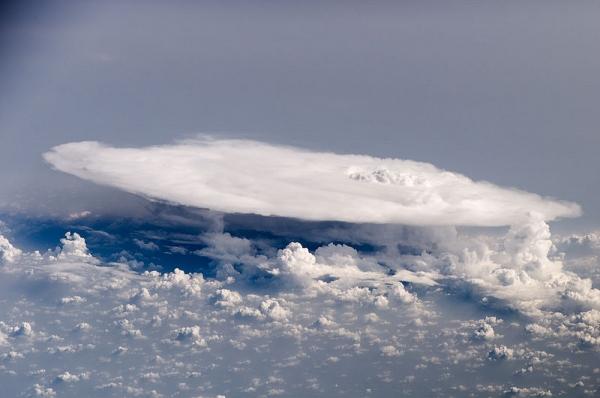 800px-Cumulonimbus_Cloud_over_Africa_(color).jpg