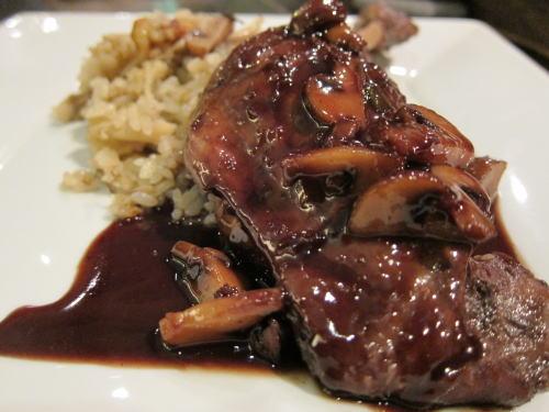 鴨モモ肉の赤ワイン煮込み