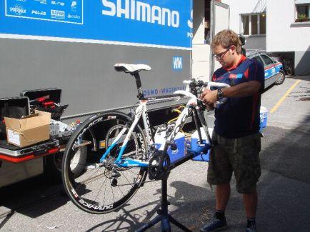 「自転車レース メンテナンス」の画像検索結果