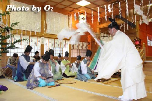 鹿部稲荷神社 松前神楽 榊舞