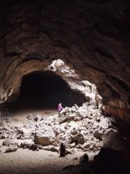 Pluto cave 0511-031