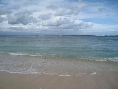 サヌールの海岸