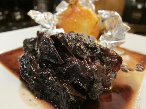 和牛スネ肉の赤ワイン煮込み