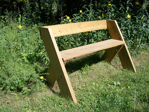 building a basic park bench plans