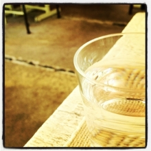 $「あるがままに生きる」-グラス