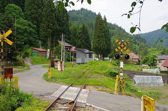 本名駅 2