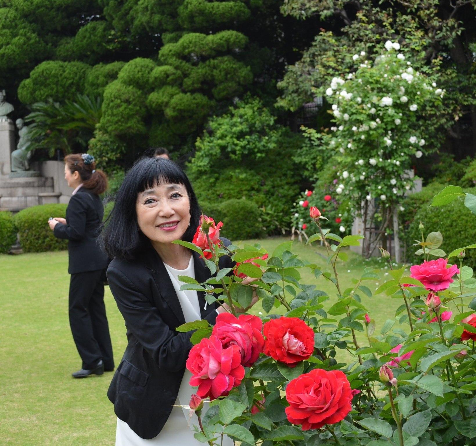 鳩山會館 最新情報トルコのバラが植樹されました!