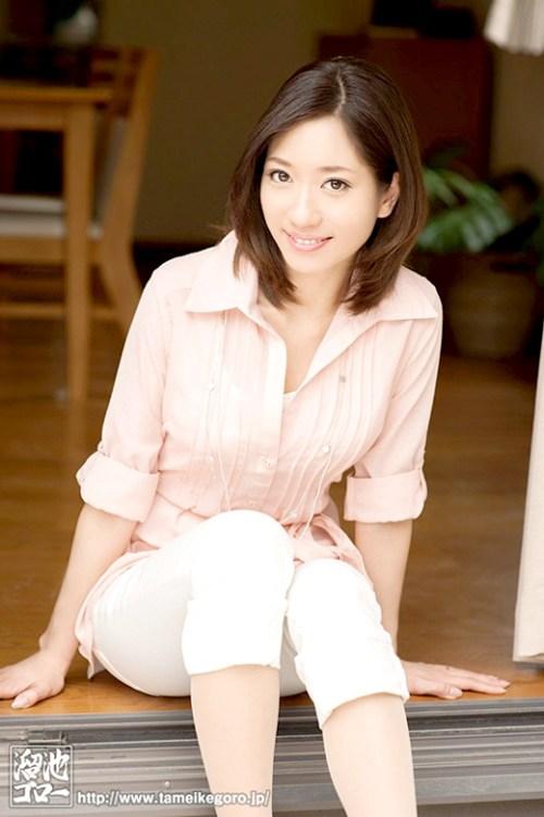 東凛 27歳の美人人妻がAVデビュー画像