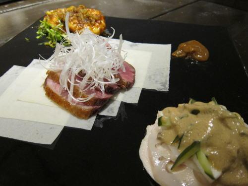 前菜三種盛、鴨北京ダック風、森林鶏しっとり煮、大エビチリ