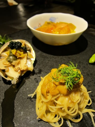 前菜4種(鮑松茸キャビア・ウニパスタ・大エビサフラン・枝豆)