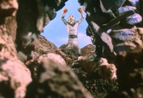 ヒーロー やられ 拘束 縛り ミラーマン ピンチ