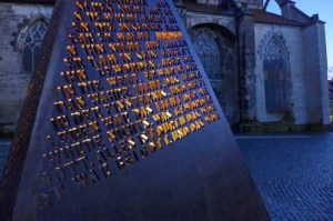Beleuchtung Winner Skulptur (2)