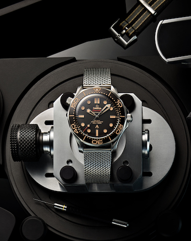 2020_OMEGA_Seamaster Diver 300M 007 Edition_210.90.42.20.01.001_worn in NO TIME TO DIE_pr1