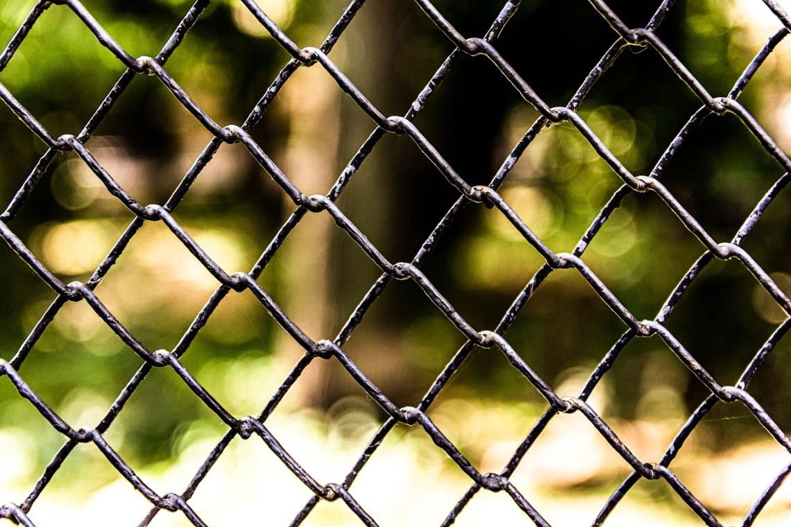 fence-4544013_1280