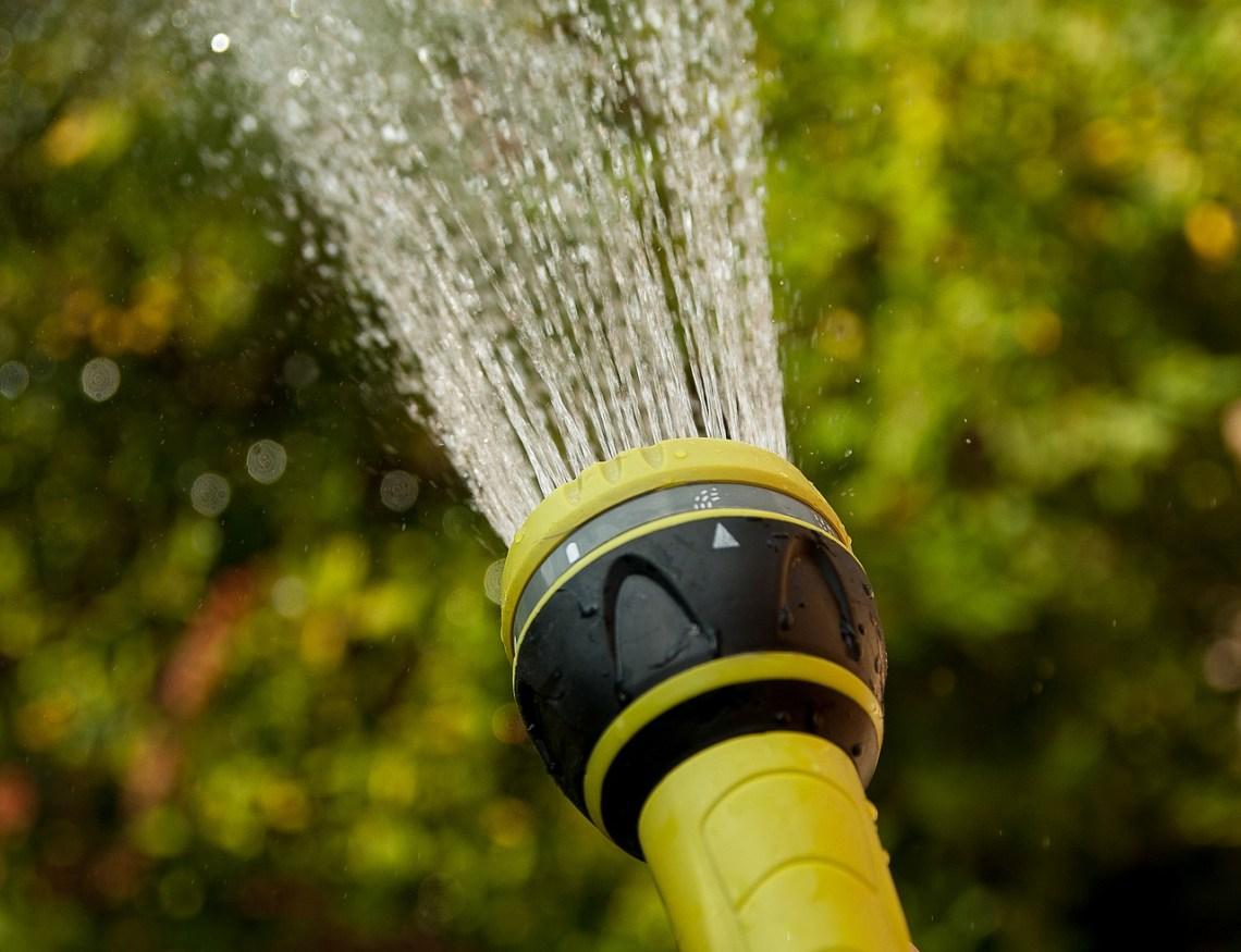 watering-1601145_1280