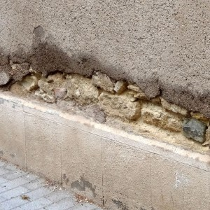 soubassement en ciment, danger