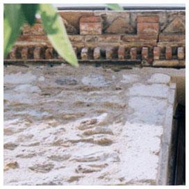 bord toit terre cuite