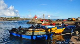 Sur le port de Hanga Roa, sur l'île de Pâques.